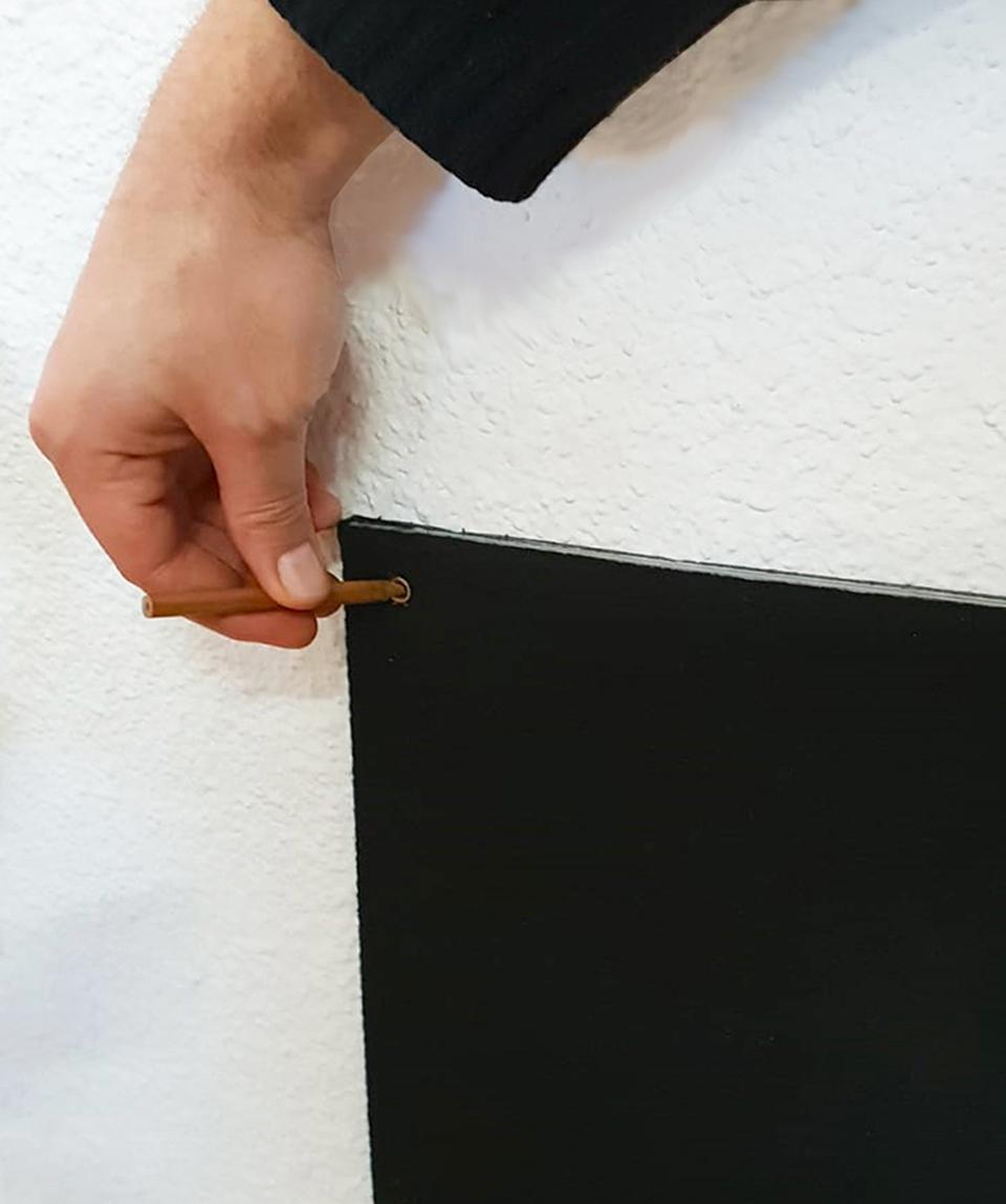 Marcar para realizar los agujeros, en una pared